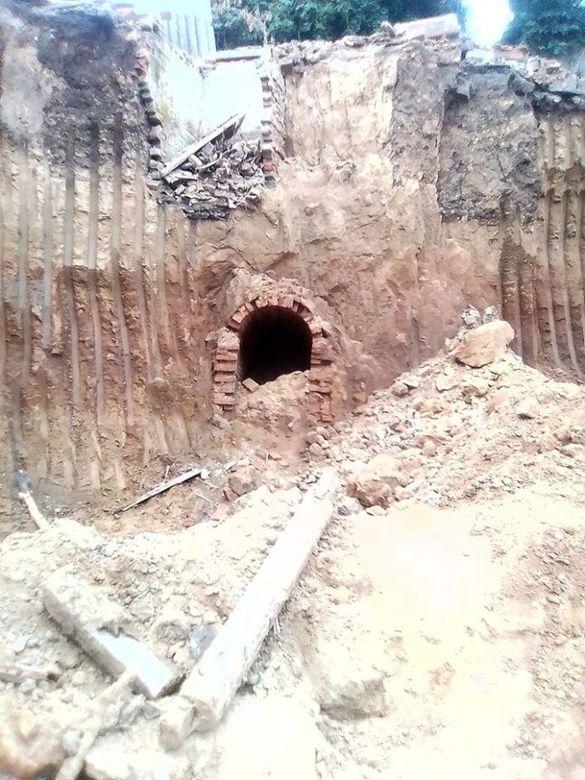В Умані знайшли черговий підземний прохід (ФОТО)