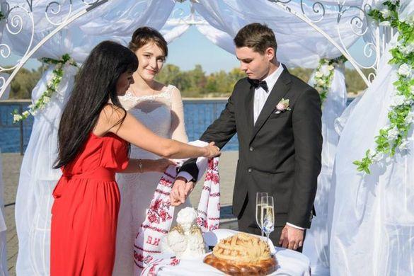 Майже 100 пар одружилися цьогоріч у Каневі
