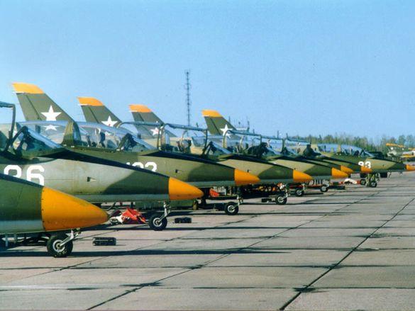 На Черкащині вчаться літати харківські льотчики