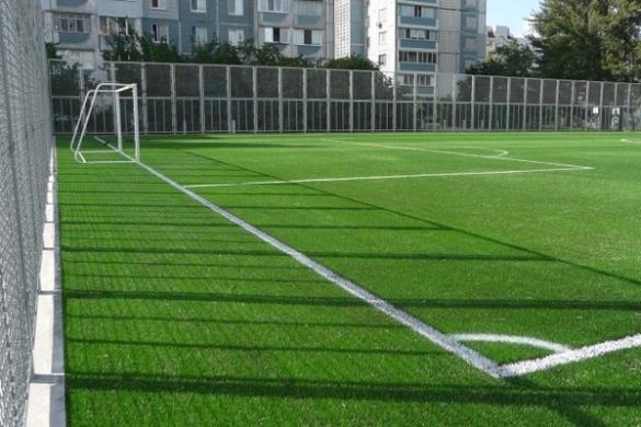 Про дитячий футбол на стадіоні черкаської школи №34