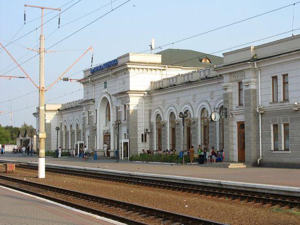 На Черкащині стався курйозний випадок із пасажирами, які не встигли на поїзд (ВІДЕО)