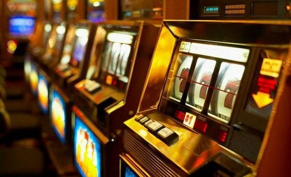 За дві тисяч грн у лотерейному закладі в Черкасах молодик накинувся на жінку