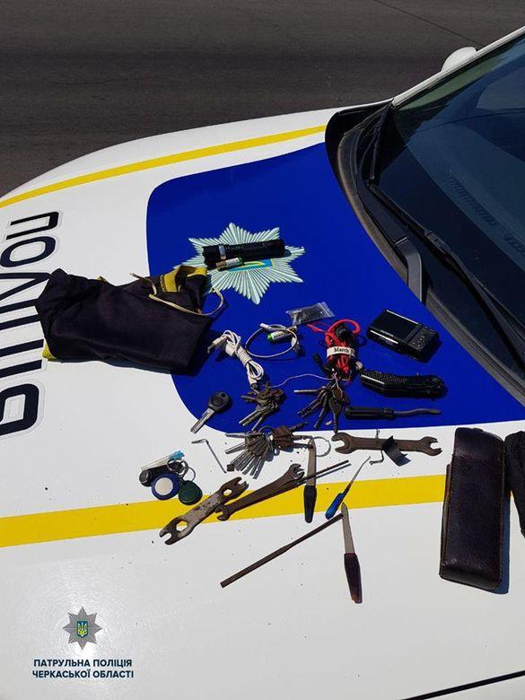 Черкаські патрульні затримали чоловіка, який перебував у розшуку за кримінальний злочин