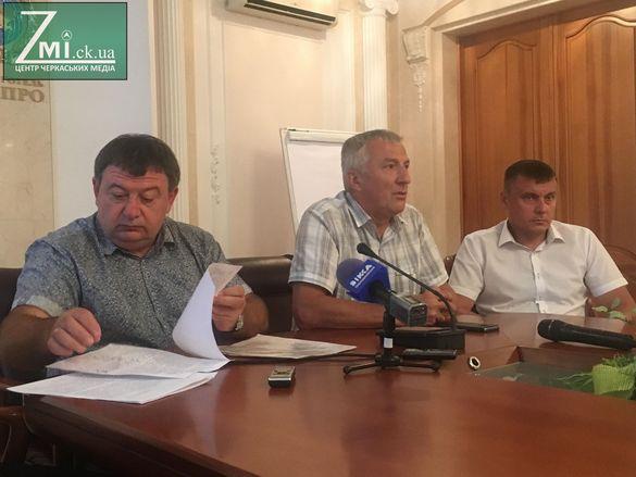 Черкаські депутати готові провести сесію без мера та секретаря міськради