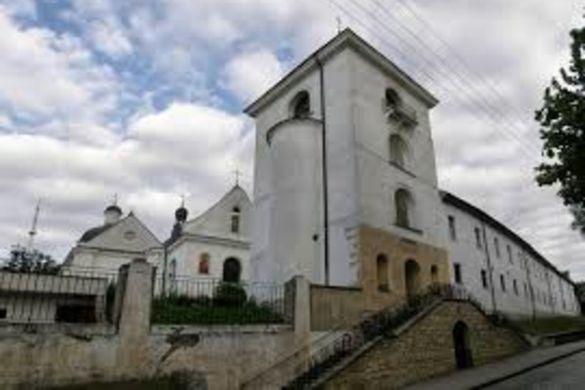 Недобросовісного орендаря змусили повернути державі приміщення монастиря