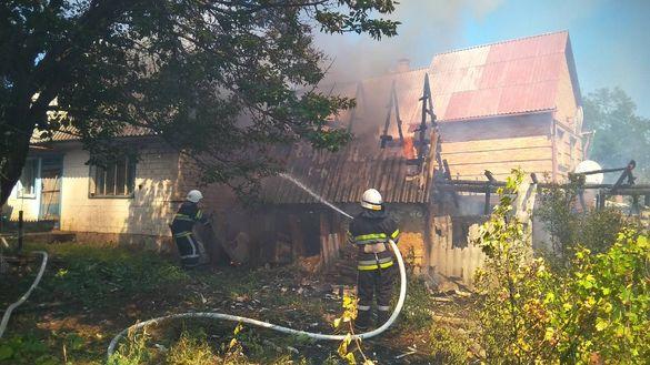 Через загорання трави у Чигирині горіли надвірні споруди (ФОТО)