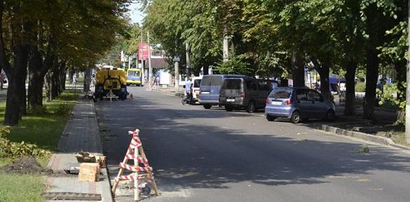 На бульварі Шевченка встановлюють нову зливову каналізацію