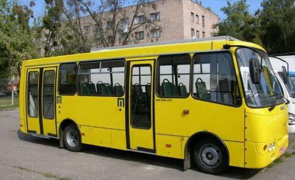 Двоє черкаських перевізників не випускають автобуси на маршрут
