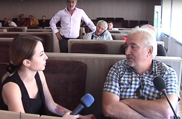 Черкаські школярі розповіли, чи хочуть слухати депутатів на лінійках (ВІДЕО)