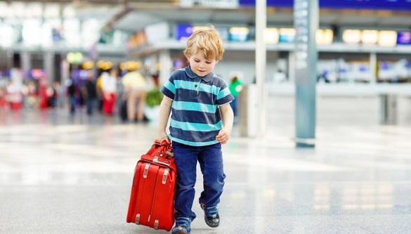За кордон із дитиною: що варто знати черкащанам про необхідні документи