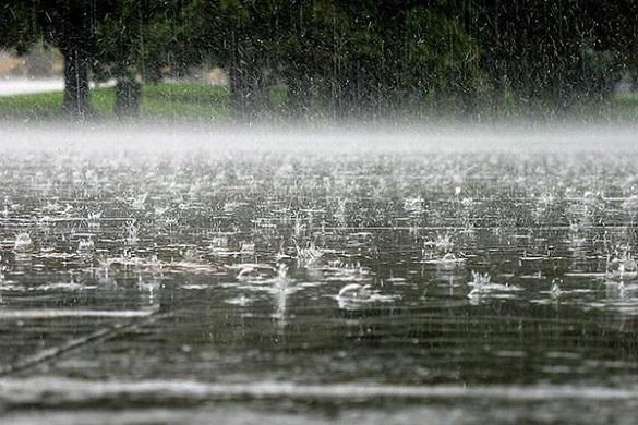Без парасолі не обійтися: у Черкасах оголосили штормове попередження