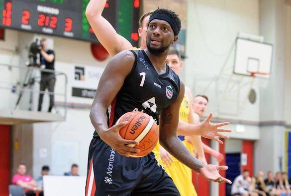У складі черкаської баскетбольної команди відбулися зміни