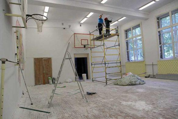 В одній із шкіл на Черкащині затопило кабінети під час початку ремонту