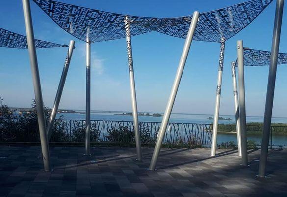 У черкаському парку відкрили новий оглядовий майданчик (ФОТО)