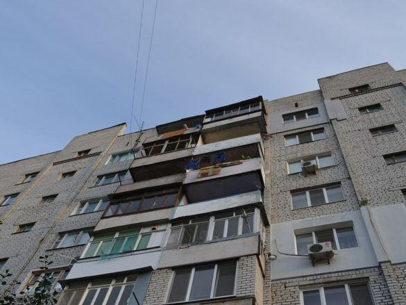 Мешканці черкаської багатоповерхівки опинилися в дорожній пастці (ВІДЕО)