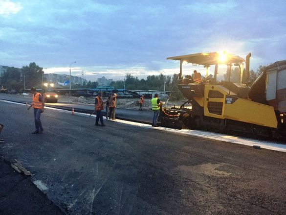 У Черкасах продовжують капітальний ремонт дороги на Митниці