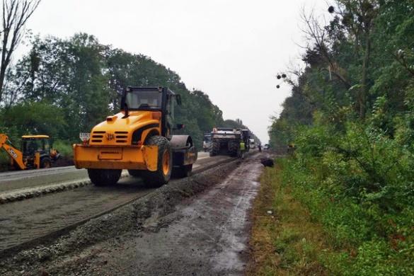 Дорожники звітують про обсяг виконаних робіт на автодорогах Черкащини (ФОТО)