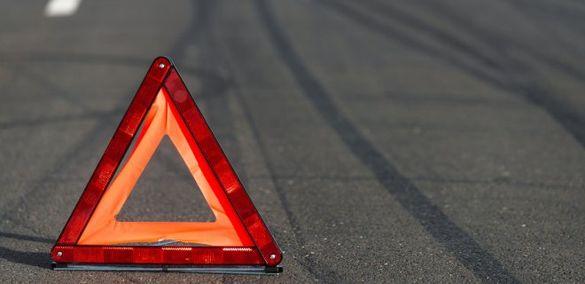 У Черкасах сталася ДТП за участі легковика й мотоцикла, є травмований (ФОТО)
