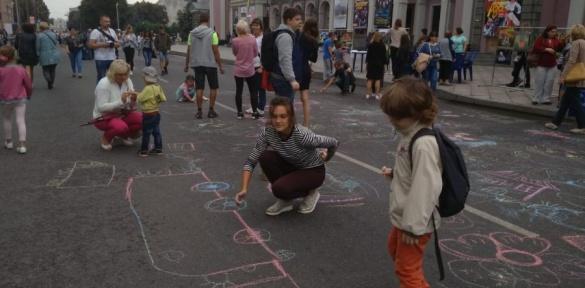 Черкаський Хрещатик перетворився на мистецький простір (ВІДЕО)