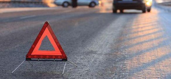 На Черкащині водій влетів у бетонний стовп та перекинувся (ВІДЕО)