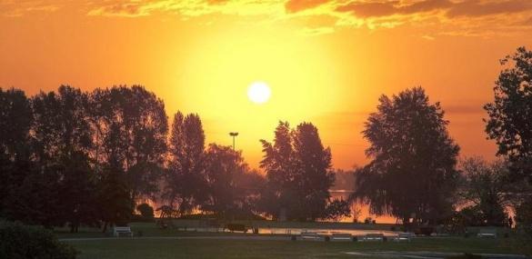 Неймовірна краса: найкращі черкаські світанки і заходи сонця (ФОТО)