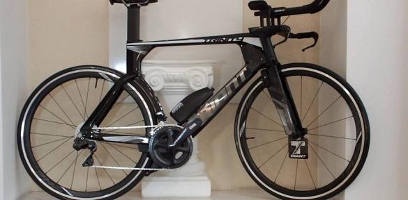 У Черкасах подарували сучасний велосипед учаснику