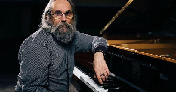 За секунду 19 нот: до Черкас завітав найшвидший піаніст світу (ВІДЕО)