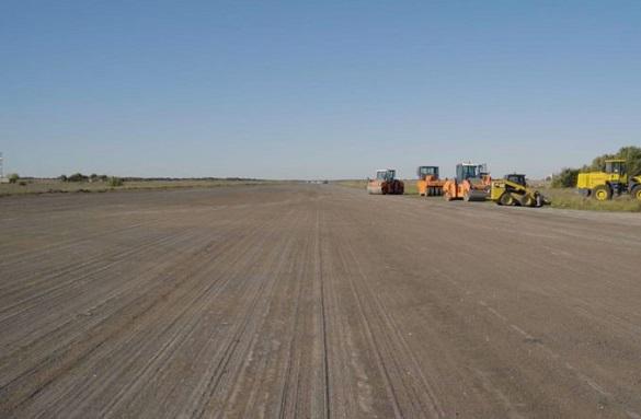У черкаському аеропорту триває реконструкція злітно-посадкової смуги (ВІДЕО)