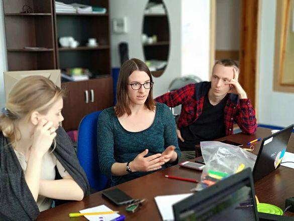 Американська волонтерка поділилася враженнями після року життя в Черкасах (ФОТО)