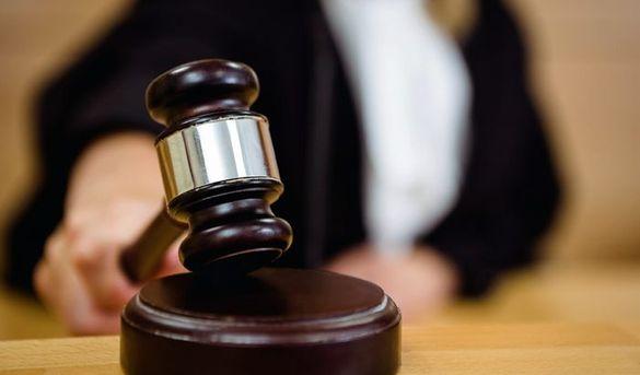 На Черкащині аліментник погрожував підпалити автівку судді