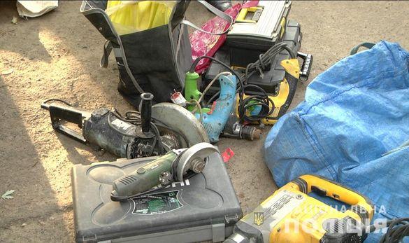 Черкаські робітники поцупили електроінструмент під час ремонту в квартирі (ФОТО, ВІДЕО)
