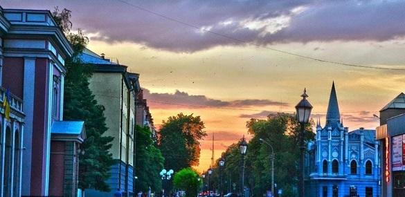 У вихідні та на свята вулиця Хрещатик у Черкасах буде пішохідною
