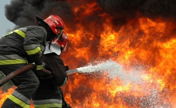 На Черкащині через цигарки спалахнули вогнем дві будівлі