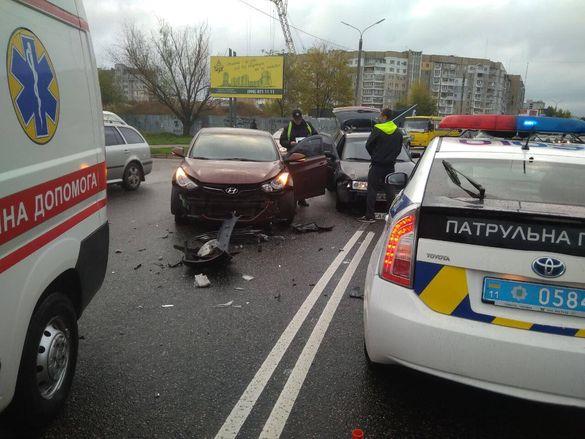 У Черкасах водій-порушник спровокував ДТП (ФОТО)