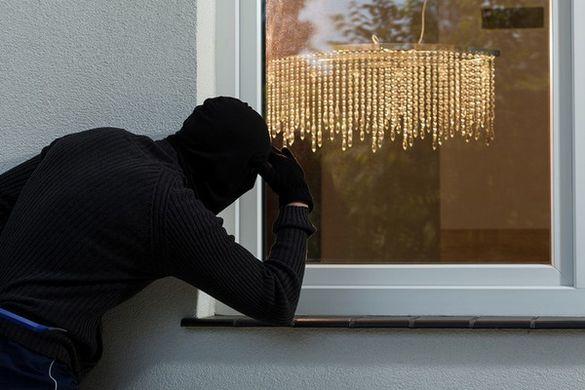 На Черкащині чоловіки побили пенсіонерів, щоб пограбувати будинок