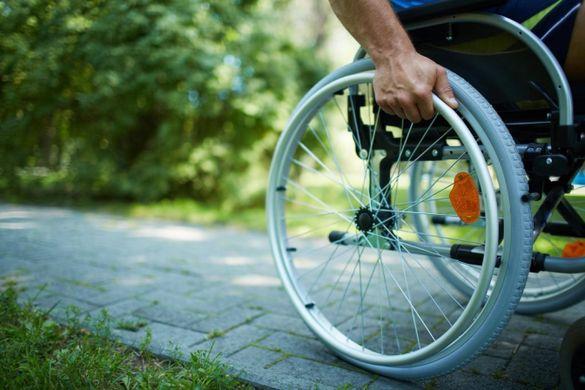 Люди з інвалідністю в Черкасах змушені займати чергу на соціальне таксі