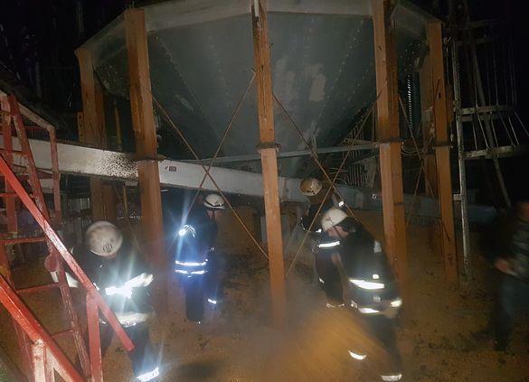 На підприємстві Черкащини полум'я знищило частину зібраного врожаю (ФОТО)