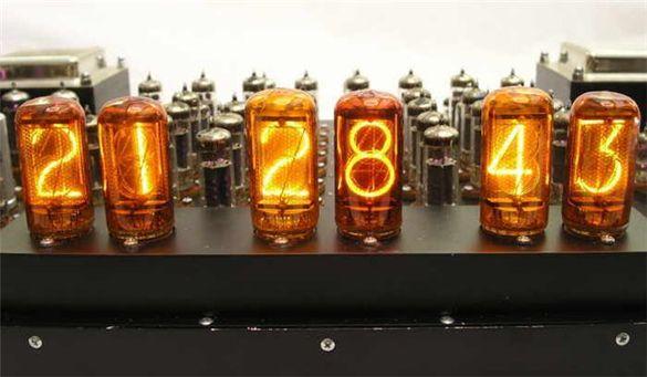 Черкаські розробники створюють годинники на радіолампах