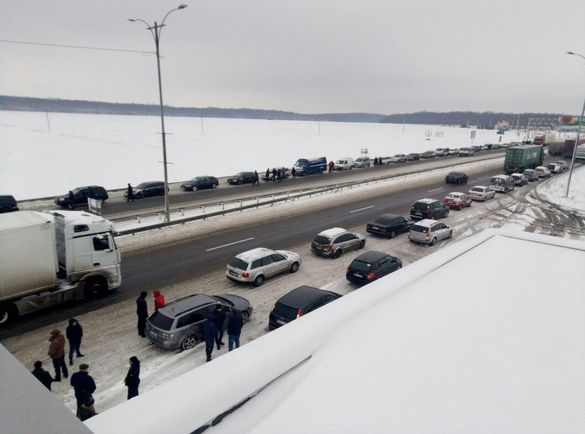 Протестувальники заблокували міжнародну трасу на Черкащині (ФОТО)