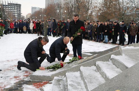 День Гідності та Свободи: у Черкасах вшанували пам'ять подій на Майдані