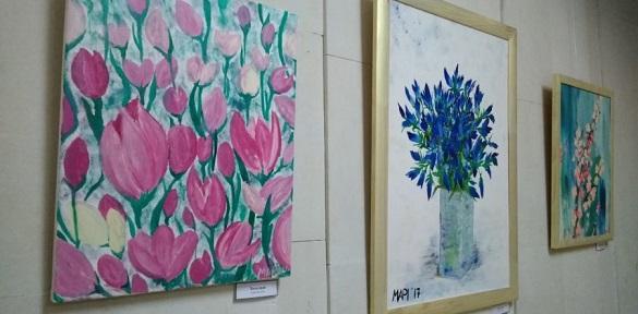 Черкаська тренерка з кросфіту представила виставку картин (ВІДЕО)