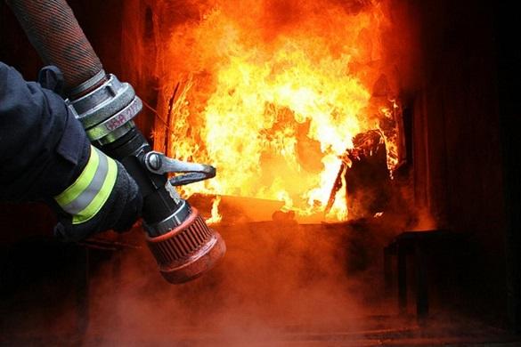 Внаслідок пожежі в Черкасах загинув чоловік, його матір вдалося врятувати (ВІДЕО)