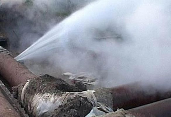 Без тепла й гарячої води: коли в Черкасах повністю ліквідують наслідки пориву
