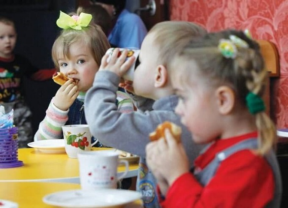 У Каневі змінили вартість харчування дітей у садочках