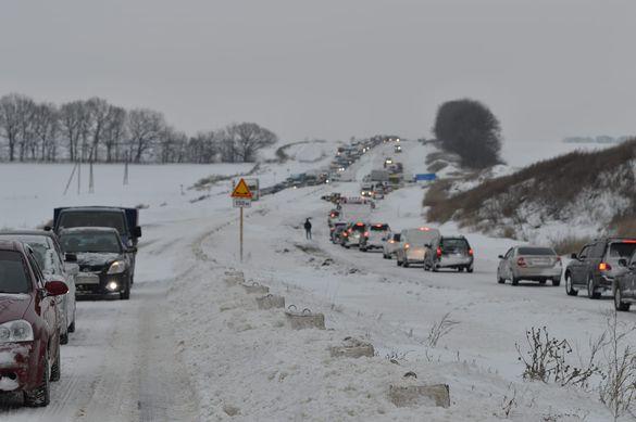 Через сніг черкащани не зможуть потрапити до сусідньої області