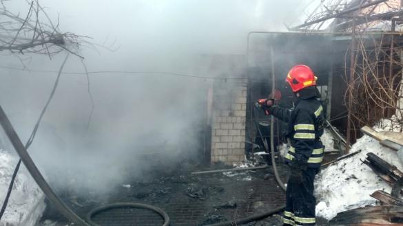 Черкаські рятувальники опановують техніку, яка допомагає знаходити людей під час пожежі (ВІДЕО)