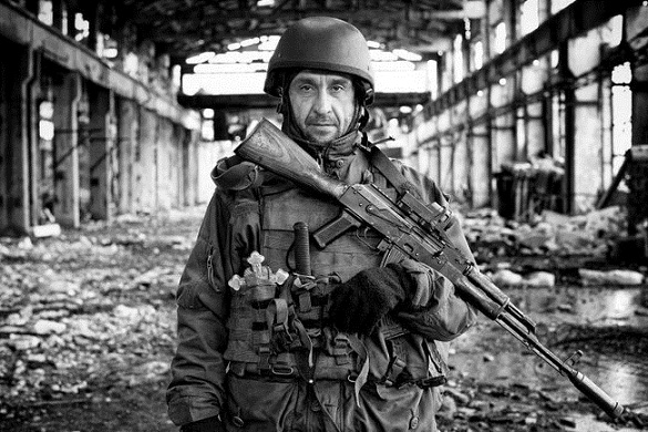 Автор фото з канівським бійцем, що стало символом війни в Україні, отримав золоту нагороду в Японії