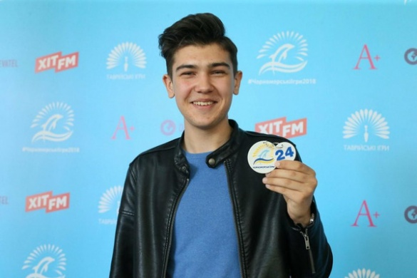 Черкаський талант переміг у 30 пісенних конкурсах і вже зазіхається на