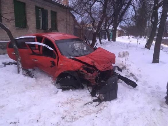 Розбиті автівки та травмовані люди: у Черкасах сталася жахлива ДТП (ФОТО)