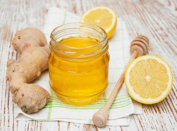 Черкаські волонтери збирають мед, імбир та лимони для армії